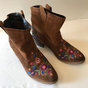 Aldo Suede Western Boots 8 Floral Embroidered Boho